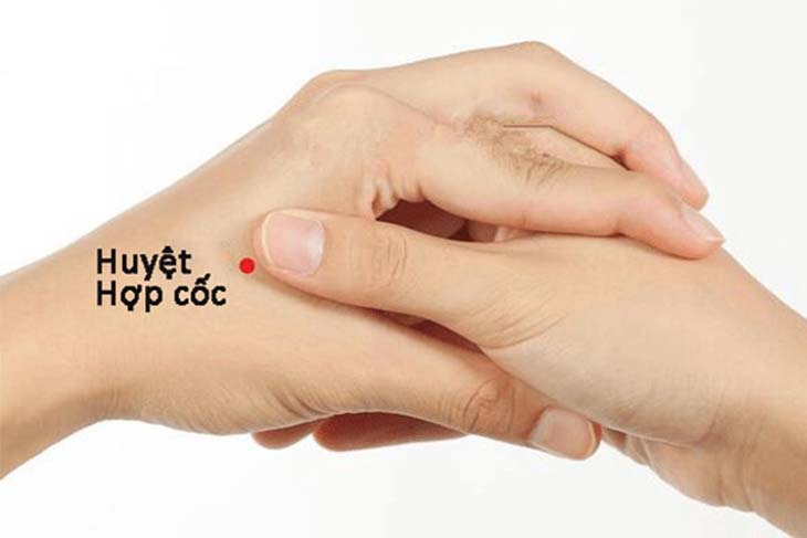 Cách tự massage bấm huyệt giúp lưu thông khí huyết