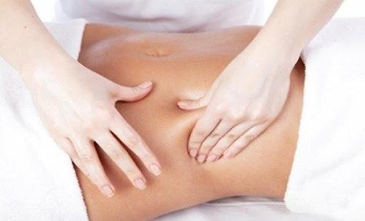 Giảm mỡ bụng bằng cách massage và bấm huyệt